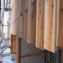 板橋の家-外壁の板張り中
