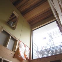 坂道の家は天井の板張完了