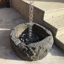 鎖雨樋と昔の炬燵